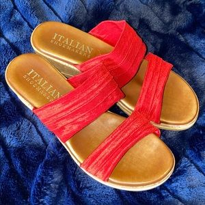ITALIAN SHOEMAKERS BRAND. DOUBLE STRAP WEDGE. RED
